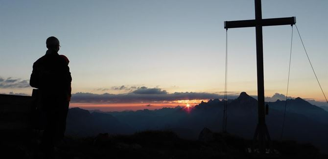 Guided sunrise tour Wartherhorn. 2.256 m